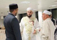 Группа татарстанских паломников во главе с муфтием РТ отправилась в хадж (ФОТО)