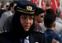Глава полиции Стамбула вышла на службу в хиджабе