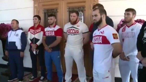 Чеченские олимпийцы на церемонии.