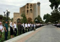 Могилу Ислама Каримова открыли для посещения