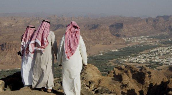 Саудовские власти борются с кризисом.