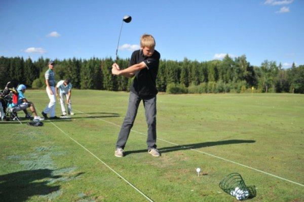 В школах появятся занятия по гольфу.