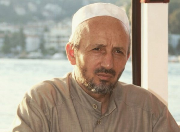 Ахмад Абдуллаев.
