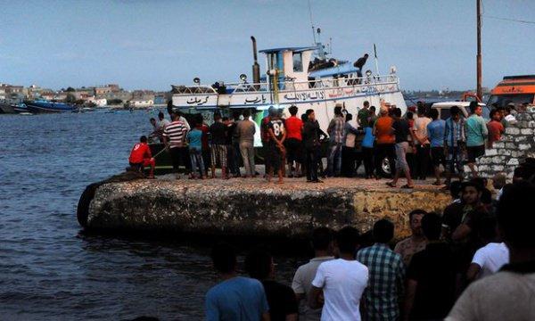 При крушении судна смигрантами уберегов Египта погибли 87 человек