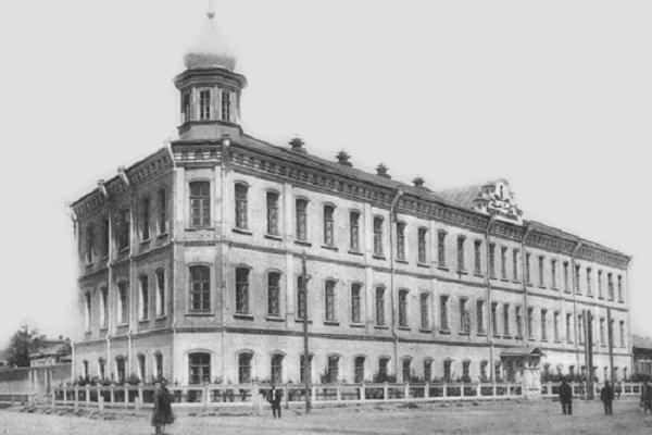 """Медресе """"Хусаиния"""" в Оренбурге, где преподавал Закир Кадыйри"""