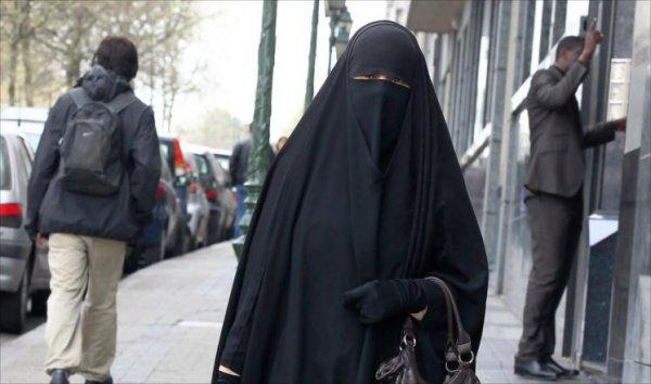 ВБолгарии женщинам запретили утаивать лицо в публичных местах
