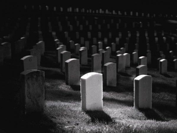 Почему Пророк всегда оставался у могилы умершего сразу после похорон?