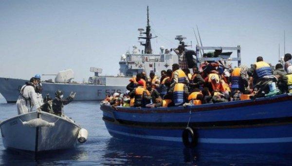 Спасательная операция в Средиземном море.