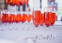 Можно ли прийти на свадьбу близкого друга, где будут подавать алкоголь?