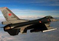 Турция, наряду с ИГИЛ, бомбит в Сирии курдов