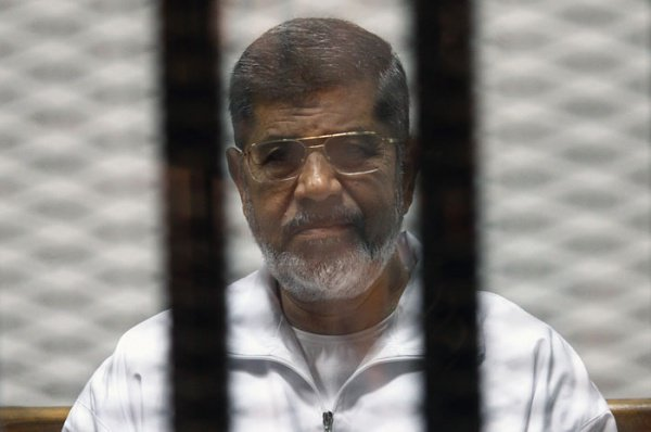 Суд Египта оставил всиле вердикт экс-президенту страны Мурси