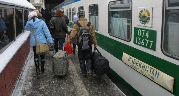 Вербовщики действовали в поездах.