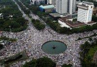 В Индонезии – многотысячные митинги мусульман