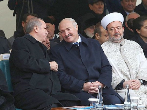 На церемонии открытия минской мечети.