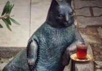 Похищенную скульптуру турецкого кота вернули на место