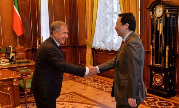 Рустам Минниханов и Чэн Вэй.