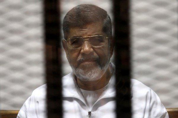 Суд вЕгипте отменил пожизненное заключение экс-президента Мурси