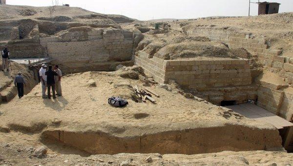 Раскопки в Египте.