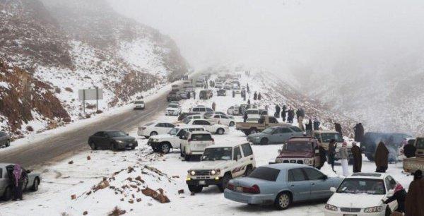 В Саудовской Аравии выпал снег  (ФОТО)