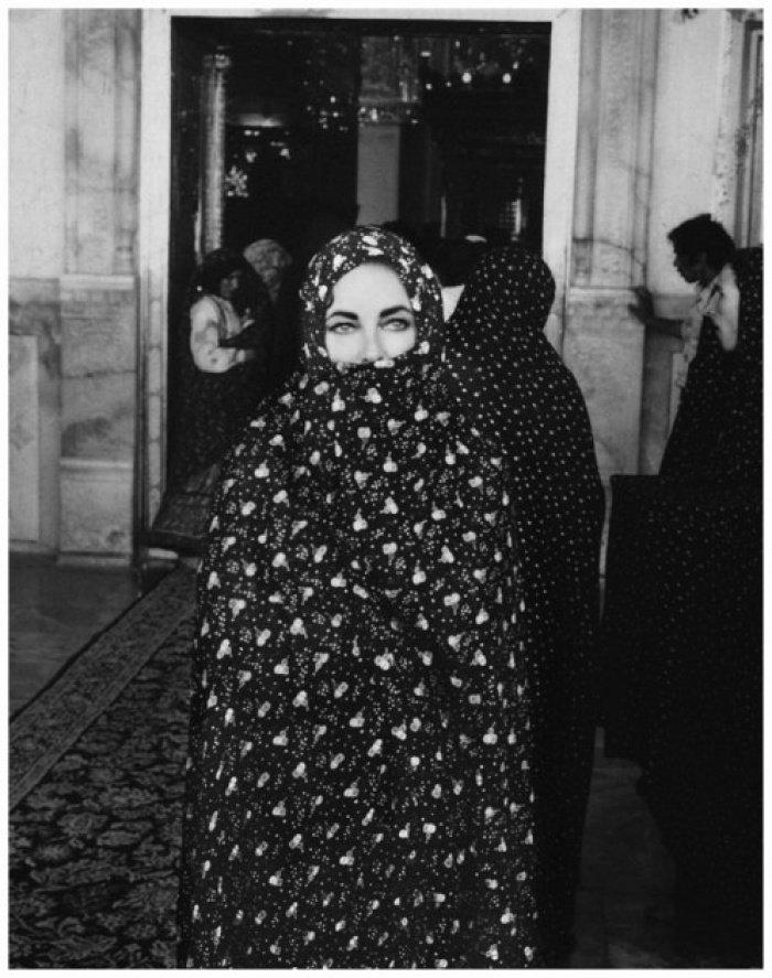 Уникальные фото Элизабет Тейлор в хиджабе
