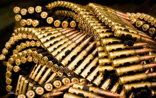 Как под видом гумпомощи США снабжают террористов оружием
