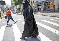 Меркель призвала запретить ношение паранджи в Германии