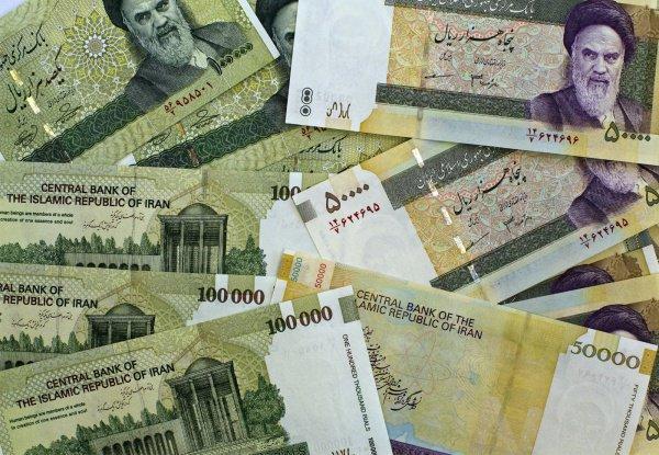 Иран сменил название государственной валюты
