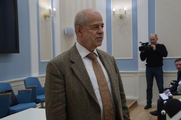 В. Наумкин:
