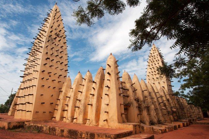 7 архитектурных чудес, созданных мусульманами из простой глины