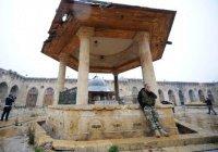 Боевики превратили Великую мечеть Алеппо в тюрьму (Видео)
