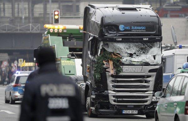 Мать исполнителя теракта с фургоном вБерлине сообщила, что отречется отнего