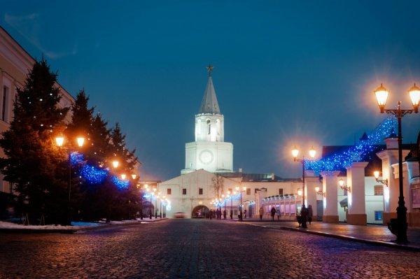В Казани идет подготовка к Новому году.