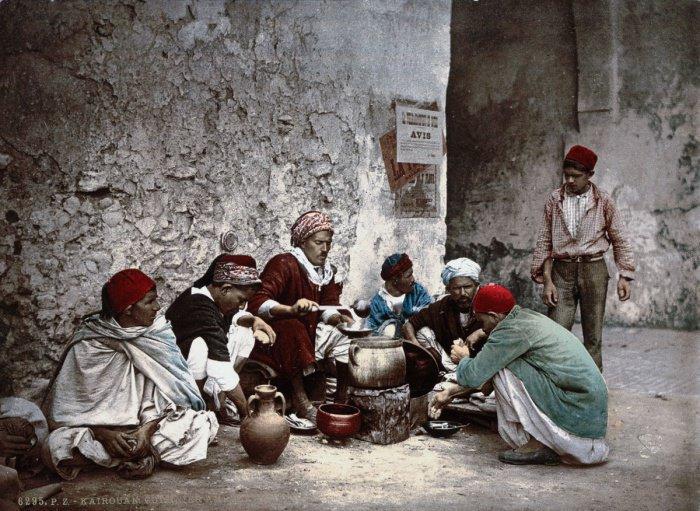 уличные торговцы едой в Кайруане