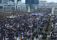 Многотысячный митинг против ИГИЛ прошел в Грозном