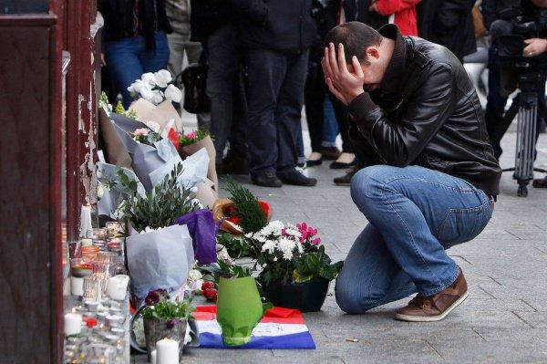 Теракты в Париже и Брюсселе унесли жизни в общей сложности около 150 человек.