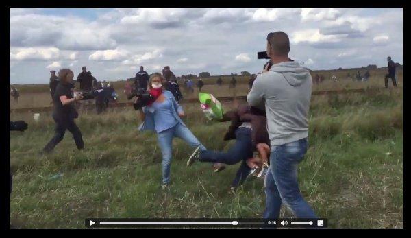 Венгерского оператора, сделавшую подножку беженцу, приговорили к3 годам условно