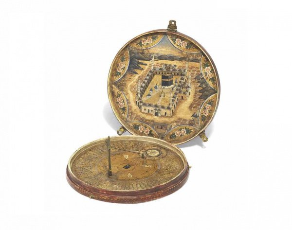 Старинный турецкий компас, использовавшийся для определения направления Киблы