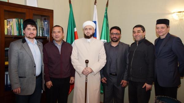 Муфтий РТ встретился с членом Союза каллиграфистов Ирана