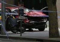 В Мельбурне в результате наезда автомобиля на пешеходов погибли 3 человека