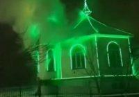 Психически неуравновешенный мужчина поджег три мечети в Ингушетии (Видео)