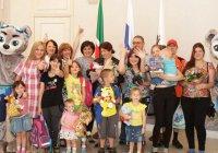 Казанскую семью поздравляют с рождением 13-го ребенка