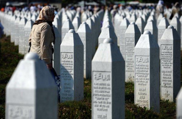 Правда ли, что женщинам нельзя посещать кладбища?