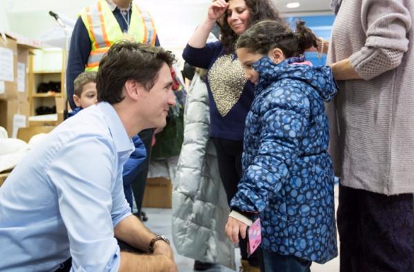 Джастин Трюдо с беженцами.