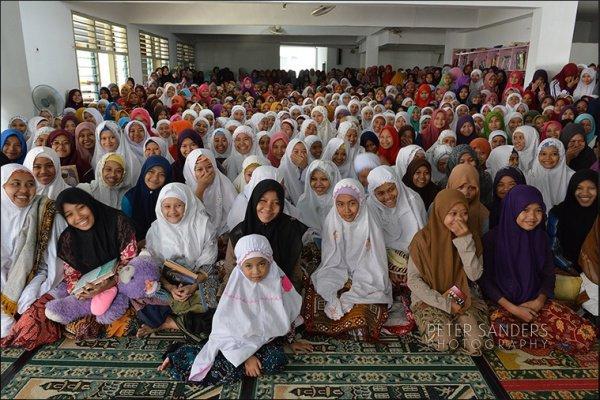 Мусульманское сообщество этой страны - самое большое в истории человечества