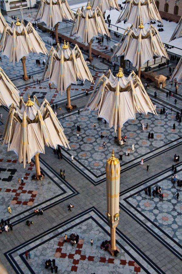 Как устроена одна из самых известных достопримечательностей мечети Пророка в Медине?
