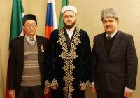 Муфтий РТ вручил медаль преподавателю медресе им 1000-летия принятия ислама Наилю Таирову