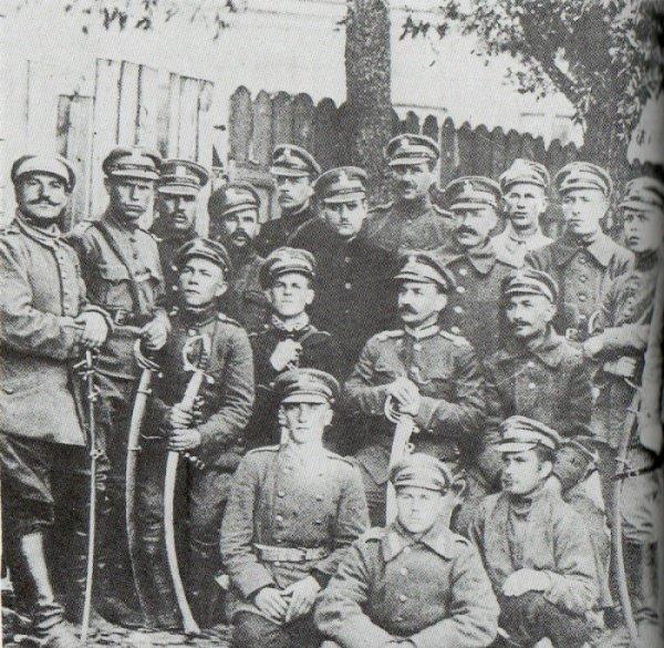 Группа кавалеристов Полка татарской кавалерии. 1919 год.