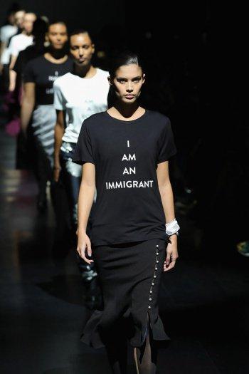 Модели коллекции сингапурского дизайнера.