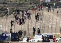 Полтысячи мигрантов прорвались из Марокко в Испанию