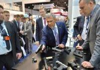 Рустам Минниханов посетил оборонную выставку в Абу-Даби